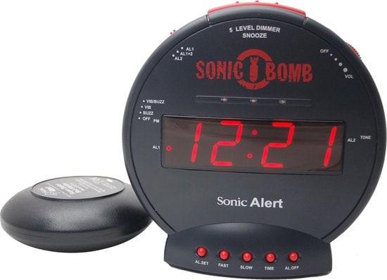 SONIC BOMB DE LUIDSTE WEKKER OP AARDE!!